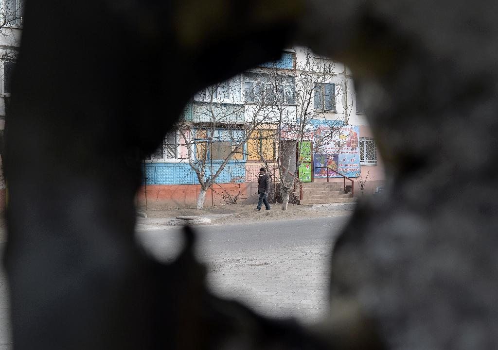 The key industrial hub of Mariupol has become the latest hotspot in the conflict in east Ukraine, stoking fears that pro-Russian rebel forces could be gearing up to try to seize the southern city (AFP Photo/Genya Savilov)