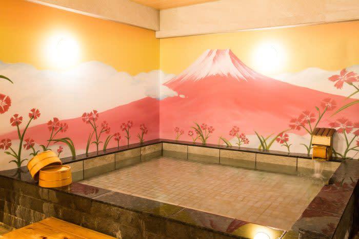 涉谷NADESHIKO HOTEL SHIBUYA大浴場與富士山背景