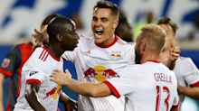 Watch this crazy Bradley Wright-Phillips bicycle goal in the Red Bulls' 1-1 draw with TFC