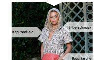 Look des Tages: Rita Ora im Kapuzenkleid bei der Chanel-Show in Paris