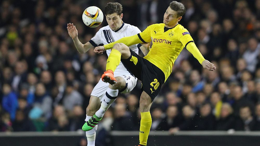 Piszczek si incatena al Borussia Dortmund: rinnovo fino al 2019