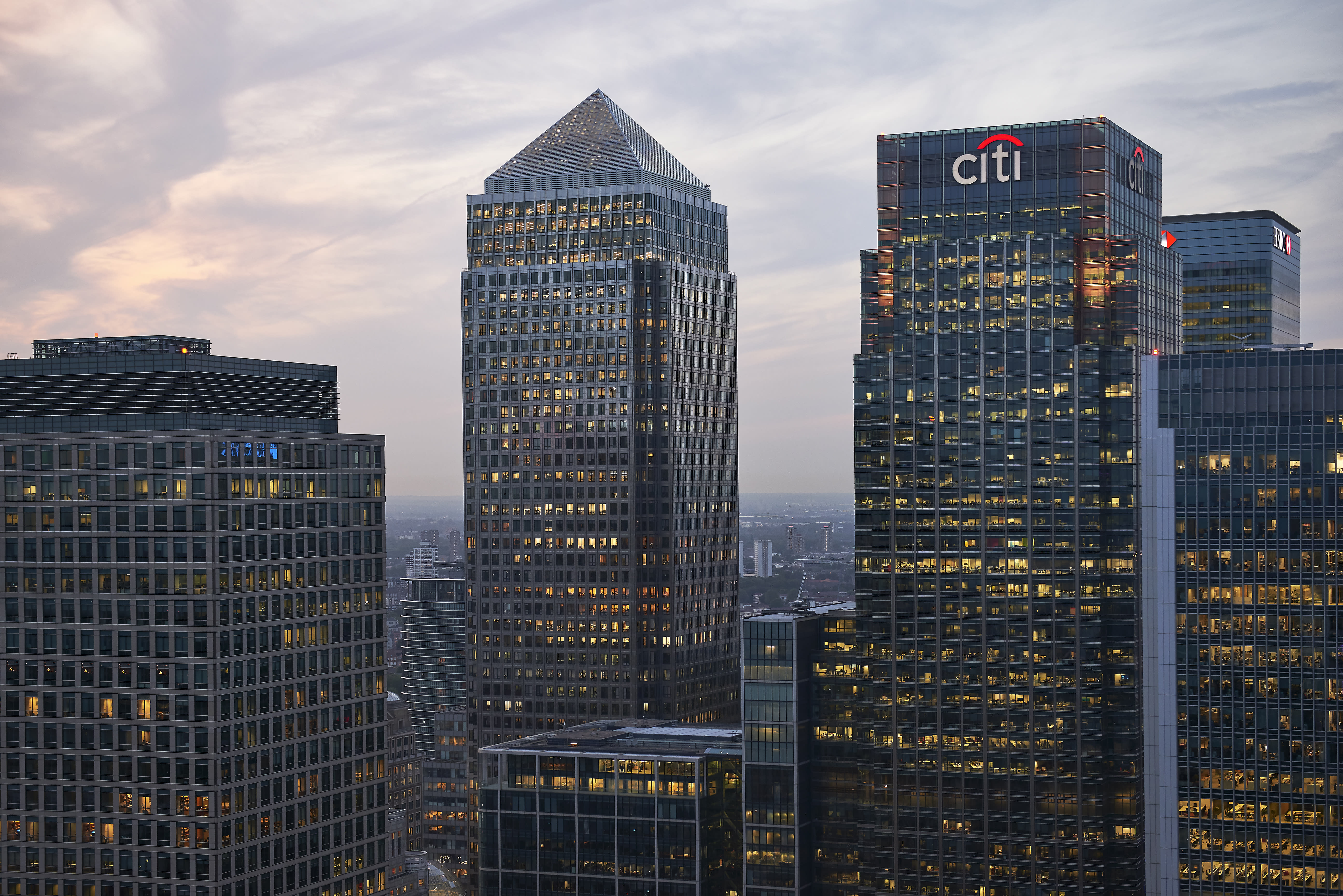 Fintech and banking bosses debate the potential death of banks