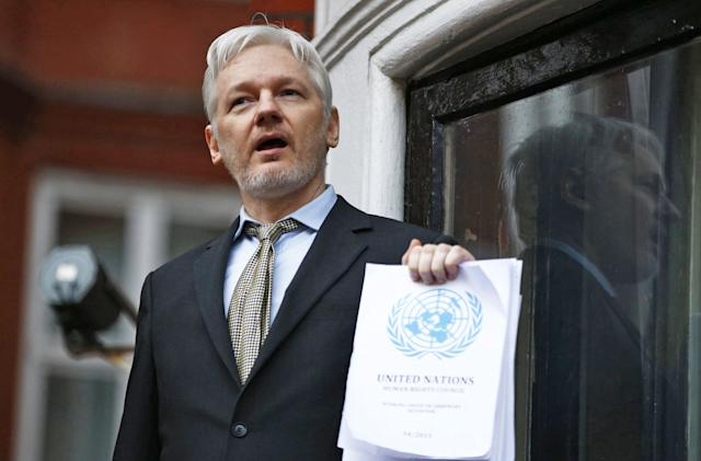 Julian Assange: I'll turn myself in if Chelsea Manning walks