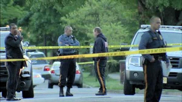 Delanco, New Jersey, cop and suspect shot during struggle