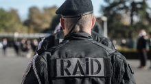 Ils agressent un policier du RAID, vont porter plainte et terminent en garde à vue