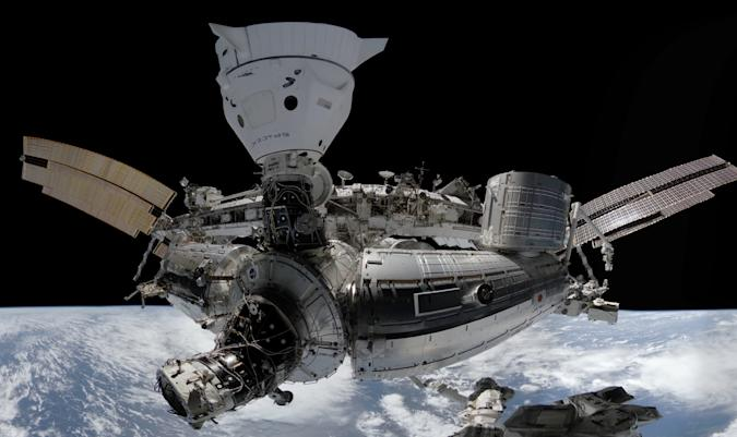 Space Explorers: The ISS Experience