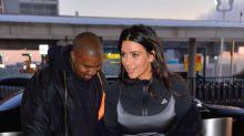 Kardashian con vestido de gala y chándal, ¡un cuadro!