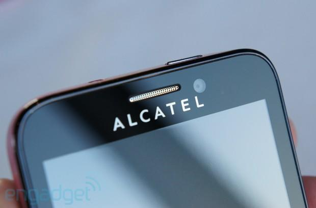 Alcatel's MWC wares: hands-on with One Touch Snap and Scribe Easy