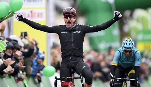 Radsport: Tour de Romandie: Küng gewinnt verkürzte Etappe