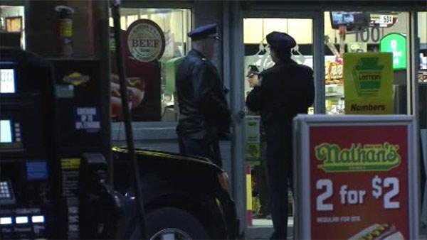 Workers shield wounded teen from gunman in Germantown
