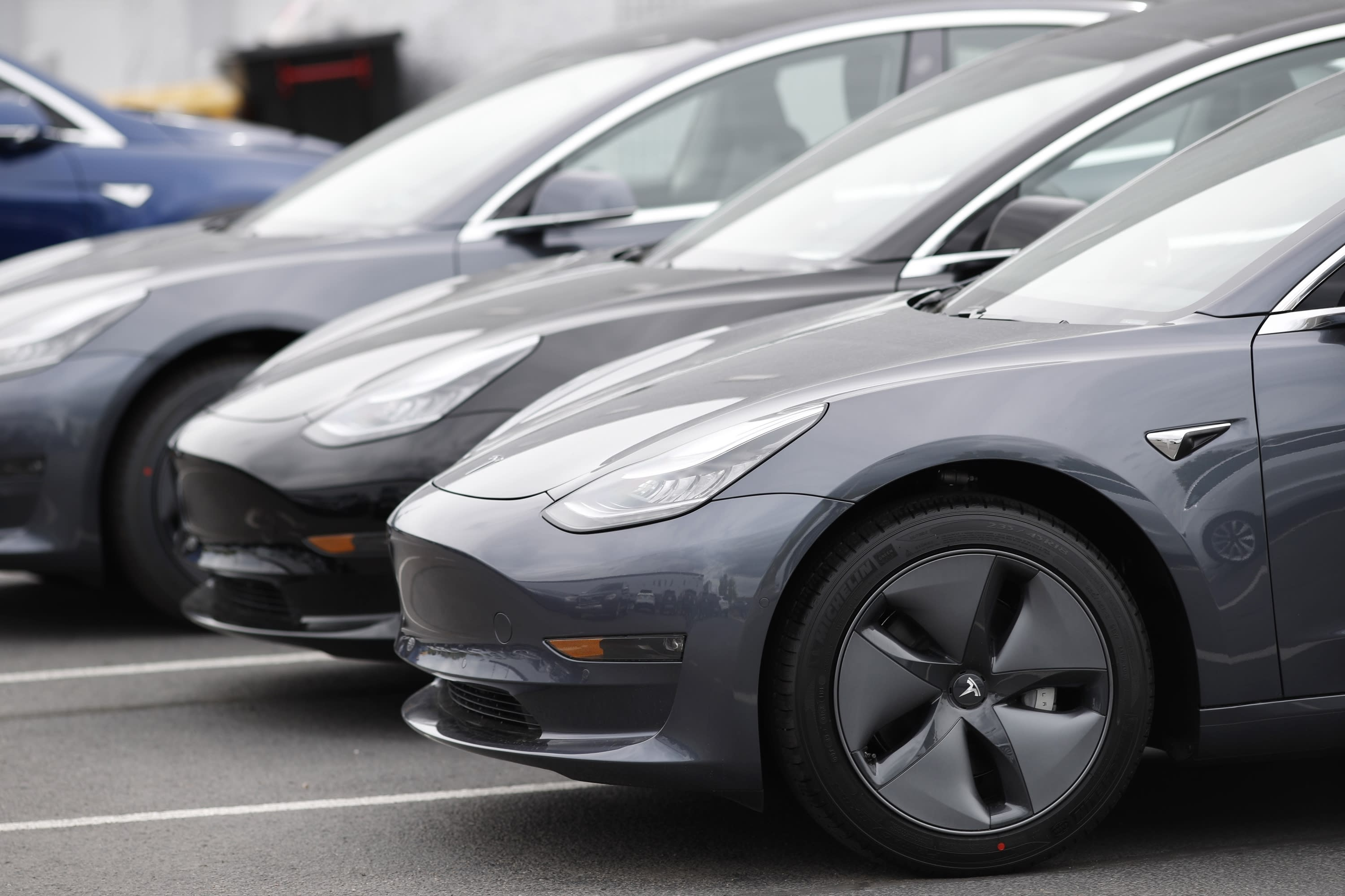 Tesla bears on the rise as Citi lowers price target to $191