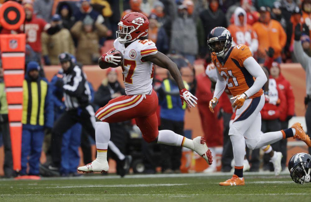 Kansas City Chiefs rookie running back Kareem Hunt led the NFL in rushing yards. (AP)