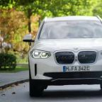 BMW aims to double EV sales in 2021