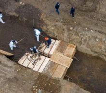 Coronavirus: New York using mass graves amid outbreak