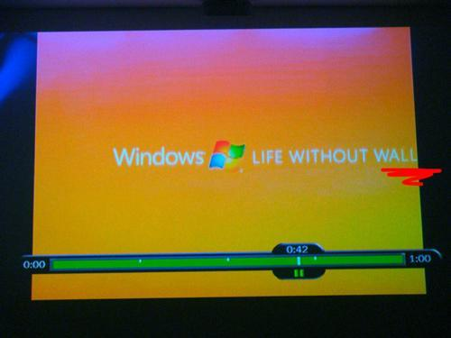 Windows commercial gets wrong message across on 4:3 sets