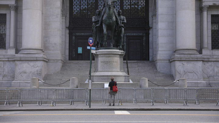 Famed statue in front of museum is coming down