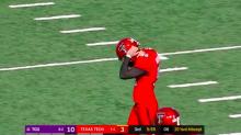 Texas Tech kicker misses 20-yard field goal horribly