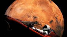 SpaceX: el Tesla Roadster enviado al espacio vuela cerca de Marte
