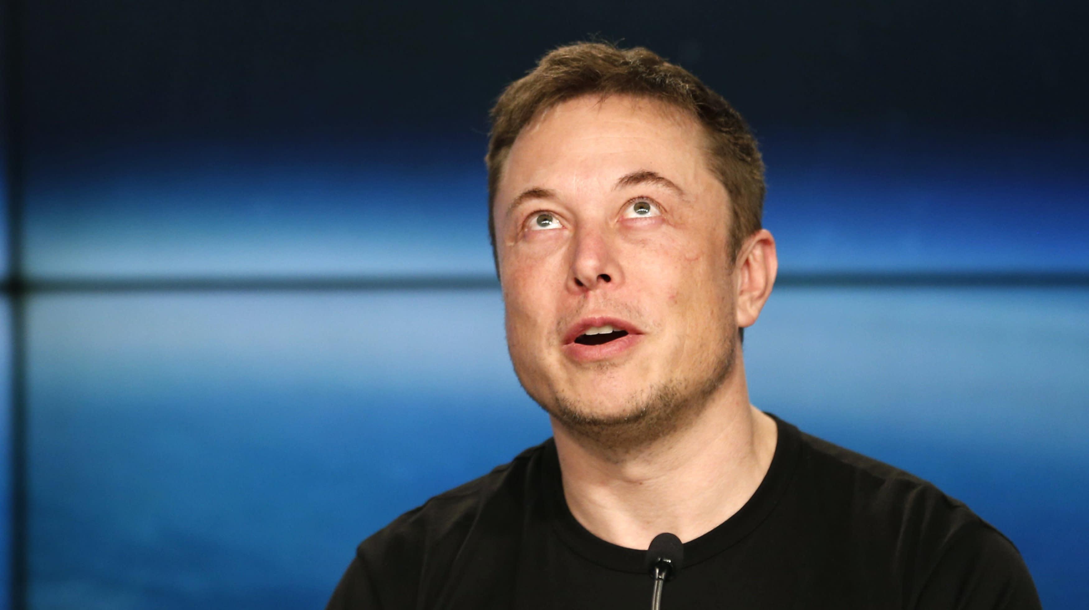 SpaceX President Calls Elon Musk 'A Brilliant Man,' Despite Bizarre Behavior