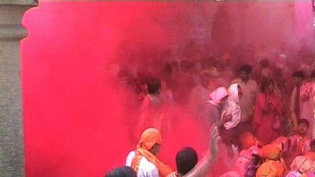 Laddus bash in Barsana for Holi