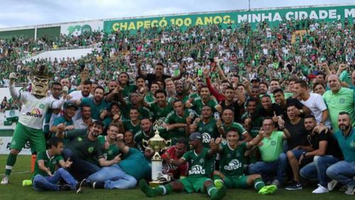Chapecoense bate Joinville, conquista returno e está na final do Catarinense