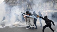 Tear gas at Paris demo against police 'brutality'
