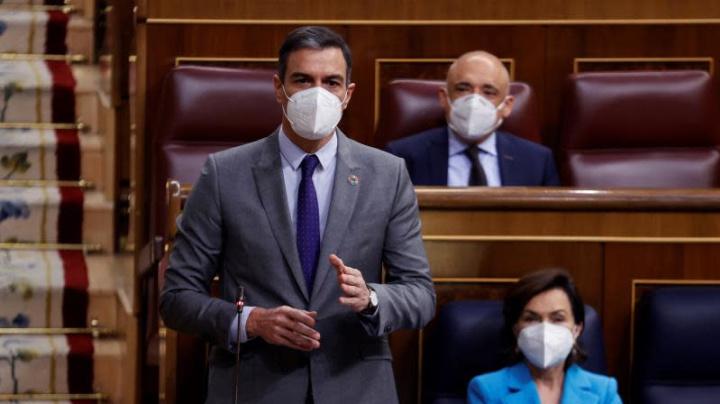 """Sánchez se reafirma en que Vox se salta las """"líneas rojas"""" constitucionales"""