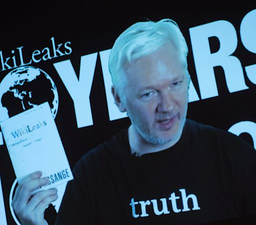 WikiLeaks Founder Vows US Election Bombshell