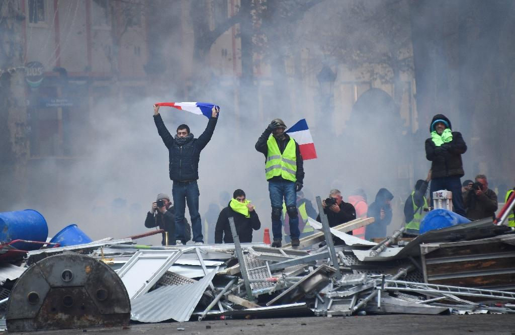 Many of the protesters were venting frustrations felt in many rural areas and small towns of France that the gap was growing between rich and poor (AFP Photo/Bertrand GUAY)