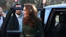 Luciendo muy chic Kate Middleton admite que ser madre es duro
