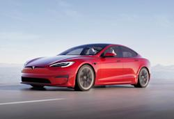 Tesla shows off the $130,000 Model S Plaid's performance