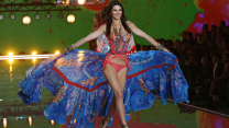 15 Of The Best Looks From The Victoria's Secret Fashion Show