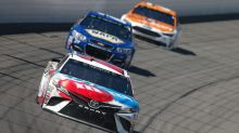 For 2nd-straight week, late caution leads to Kyle Busch losing the lead