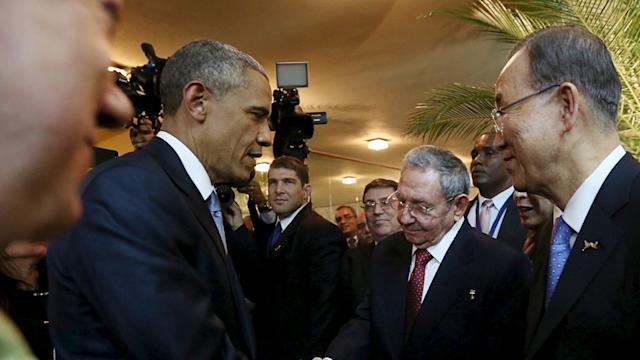 Raw: Historic Handshake Between Obama, Castro