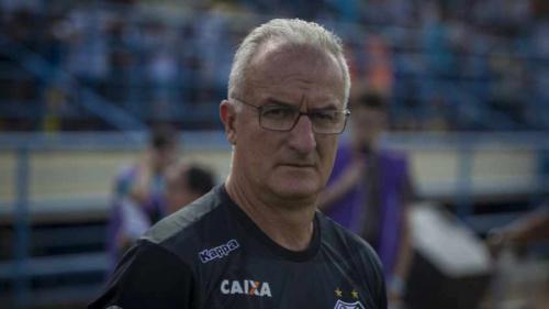 Dorival destaca evolução do Santos após vitória e elogia: 'Isso é elenco'