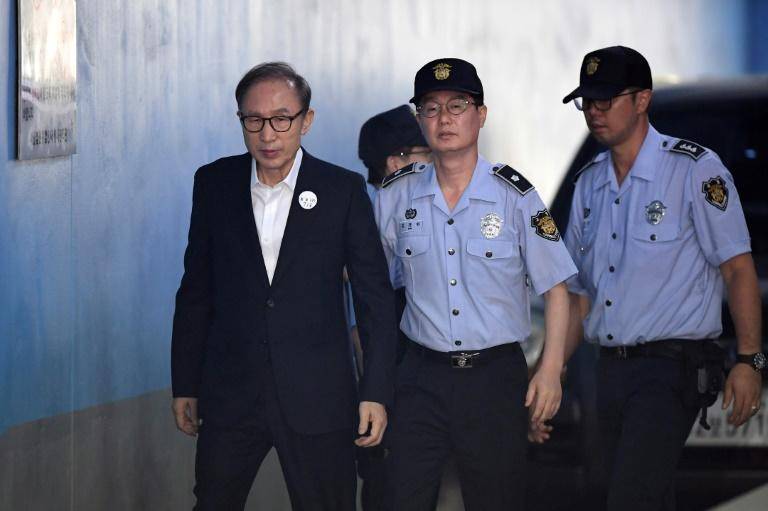Court Gives 17-year sentence to ex South Korean president Lee over embezzlement and bribery - Tatahfonewsarena