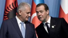 Russia to lift some Turkey sanctions, tomato ban stays