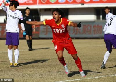 Premiado na China, Marcelo Moreno busca artilharia do torneio