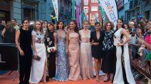 Las 'chicas Velvet' conquistan la alfombra naranja del FesTVal de Vitoria