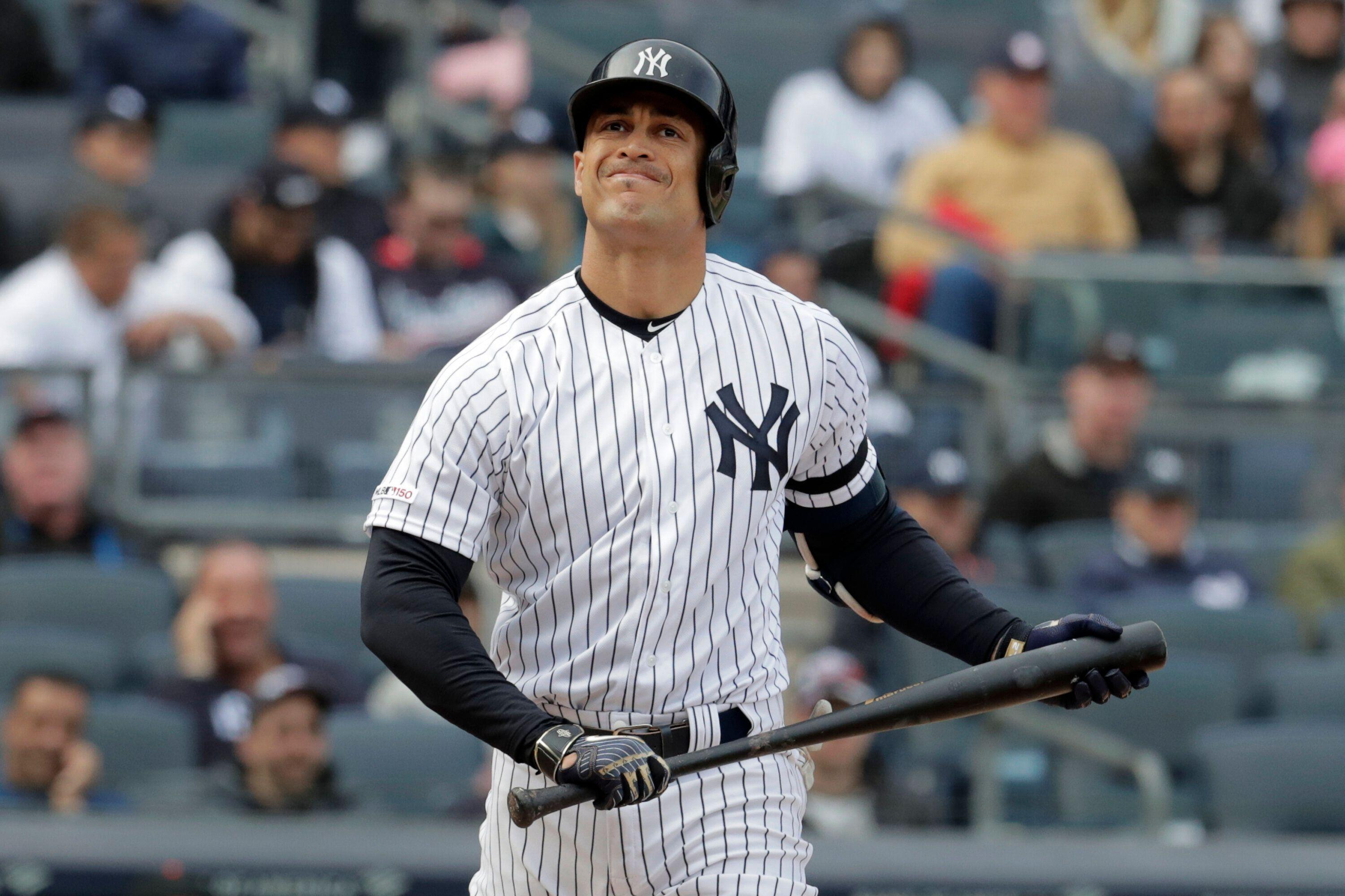 timeless design bb9e7 9b515 Giancarlo Stanton has shoulder issue, but Yankees staying mum