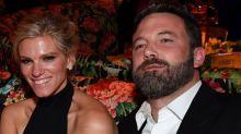 Ben Affleck junto a su novia en fiesta de Emmys