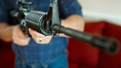 Gunmaker Colt suspends production of AR-15