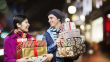 Less than 3% Brits will pay full price for Christmas gifts