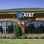 AT&T explores separating from DirecTV: WSJ