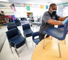 Can schools force students to wear masks? Illinois lawsuit challenges COVID-19 policy