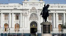 Vizcarra enfrenta Congresso peruano em processo de impeachment