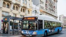 Conductor de autobús recibió la peor noticia y bajó a todos los pasajeros