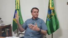 Em live, Bolsonaro diz estar bem e volta a defender a cloroquina