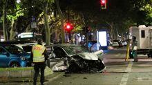 Schwerer Unfall: BMW rast auf Kudamm in Kleinwagen - Zeugen gesucht