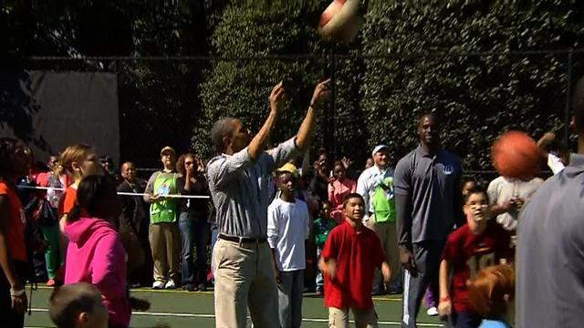 Presidential airballs: Obama's basketball getting skills rusty